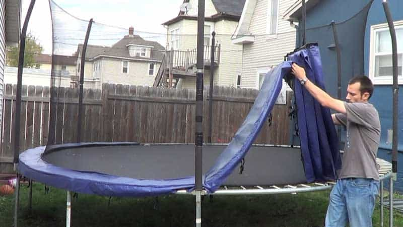 How to Clean a Trampoline By Following These Easy Techniques