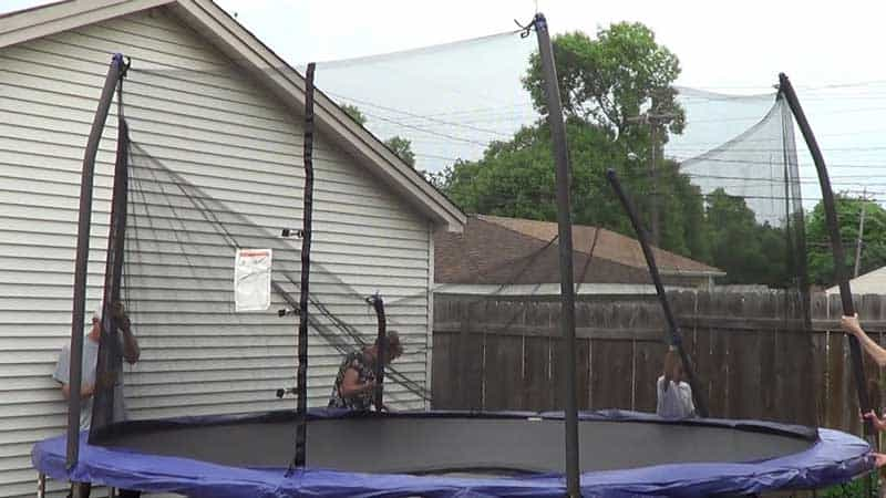 How to Put A Net on A Trampoline Easily and Effectively?
